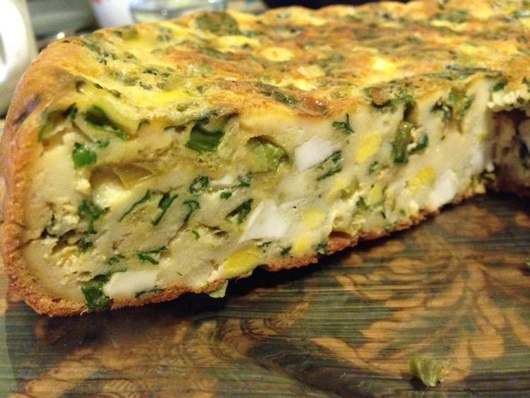 Нежный пирог с курицей и зеленью