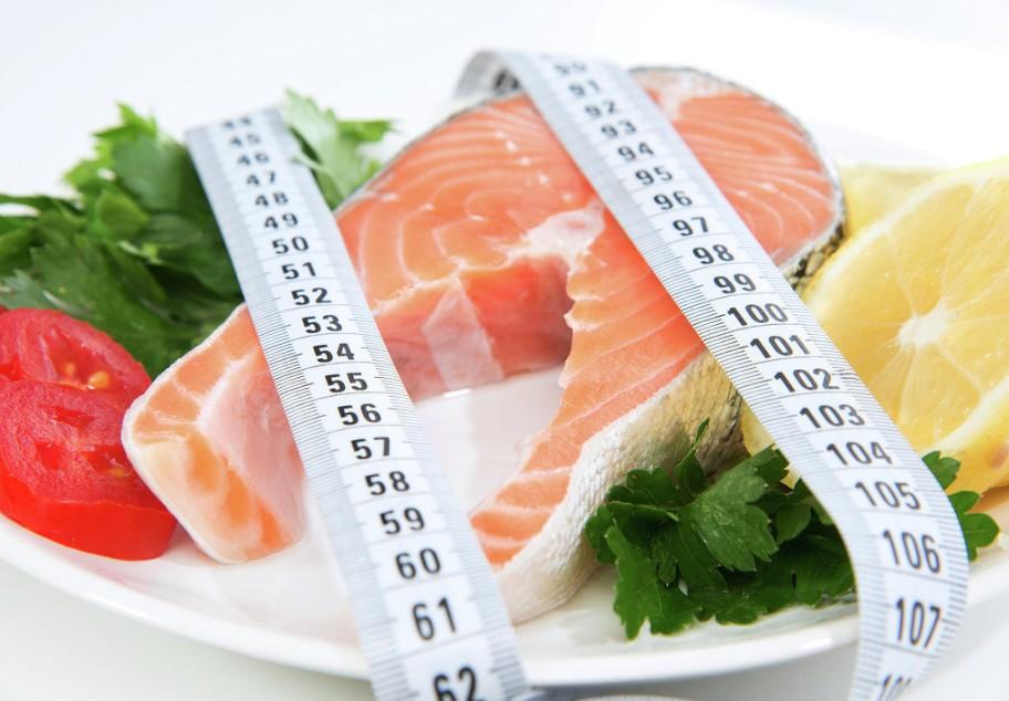 Рассчитать и скинуть вес на диете Дюкана: в чем суть методики и ее принципы