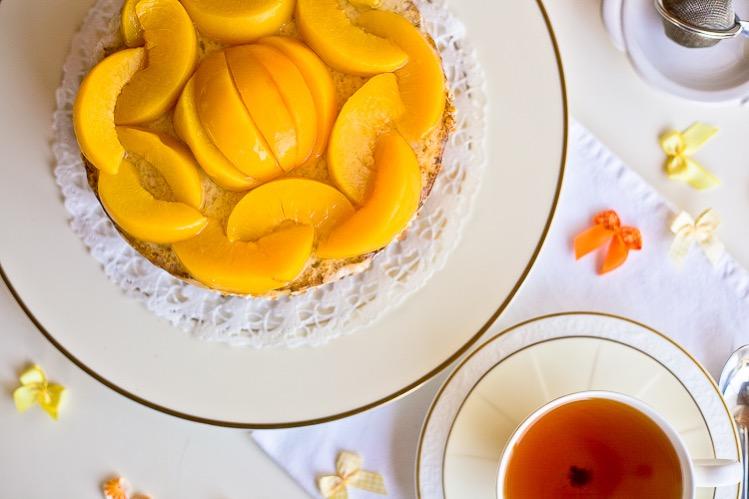 Веганский торт с персиками