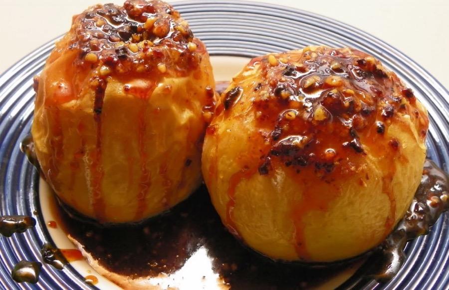 Запеченные яблочки с оригинальной начинкой