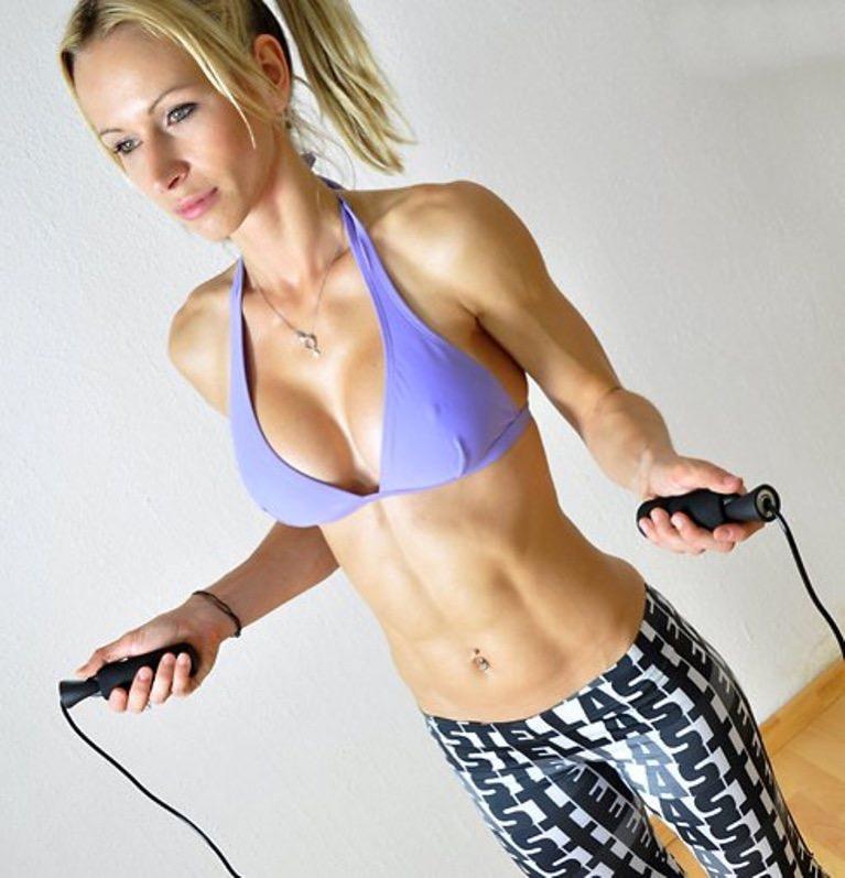 Комплекс упражнений со скакалкой