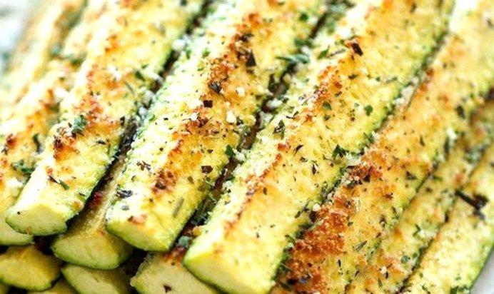 Кабачки с сыром и пряностями