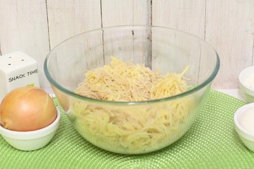 Берем картофель