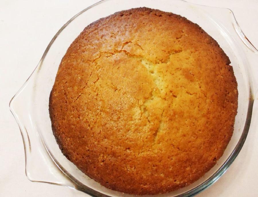 Вынимаем готовый пирог