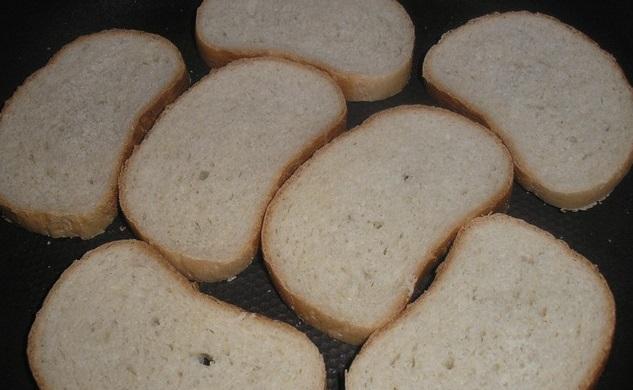 Берем хлеб