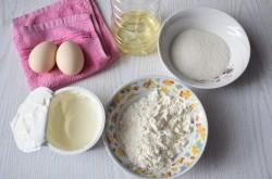 Подготавливаем ингредиенты для оладий
